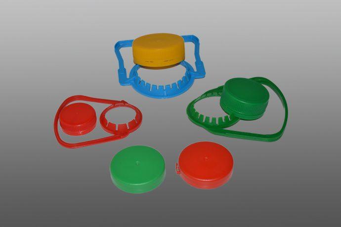 Капачки и дръжки за бутилки изработени от пластмаса